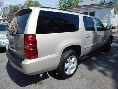 2007 Chevrolet Suburban LT - Photo 7