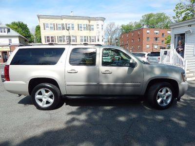2007 Chevrolet Suburban LT - Photo 8
