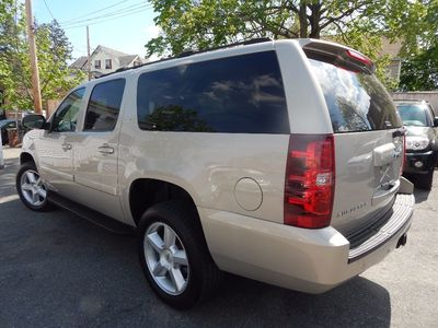 2007 Chevrolet Suburban LT - Photo 5
