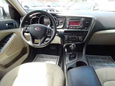 2011 Kia Optima LX - Photo 16