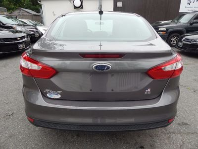 2014 Ford Focus SE - Photo 6