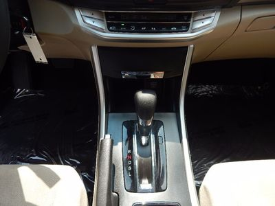 2013 Honda Accord Sdn LX - Photo 13