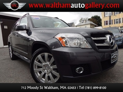 2010 Mercedes-Benz GLK 350 Navigation System & Panoramic Roof - Photo 1