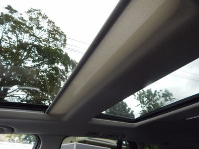 2010 Mercedes-Benz GLK 350 Navigation System & Panoramic Roof - Photo 25