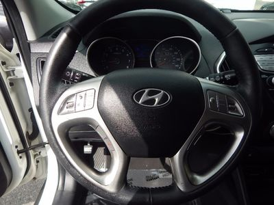 2012 Hyundai Tucson GLS - Photo 11