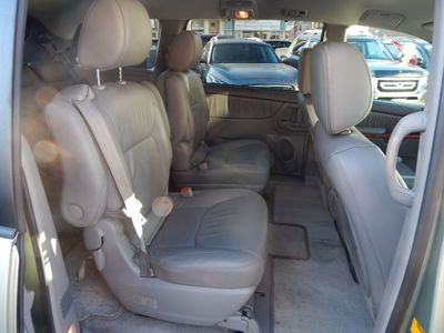 2010 Toyota Sienna XLE - Photo 19
