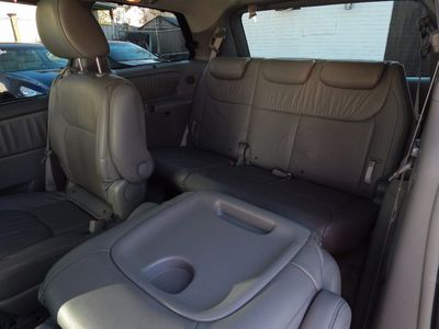 2010 Toyota Sienna XLE - Photo 15