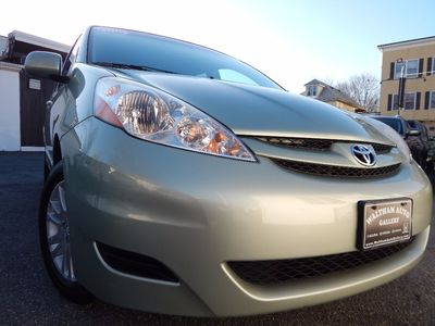 2010 Toyota Sienna XLE - Photo 27