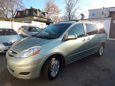 2010 Toyota Sienna XLE - Photo 3