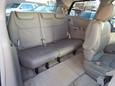 2010 Toyota Sienna XLE - Photo 20