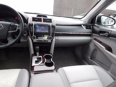 2012 Toyota Camry XLE - Photo 18