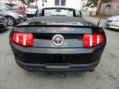 2010 Ford Mustang V6 - Photo 6