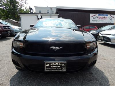 2010 Ford Mustang V6 - Photo 2