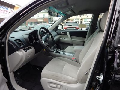 2013 Toyota Highlander SE - Photo 11