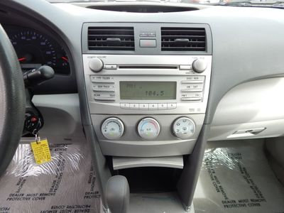 2010 Toyota Camry LE - Photo 12