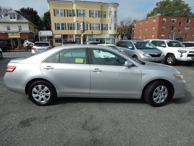 2010 Toyota Camry LE - Photo 8
