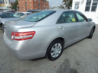2010 Toyota Camry LE - Photo 7