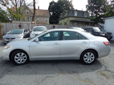 2010 Toyota Camry LE - Photo 4