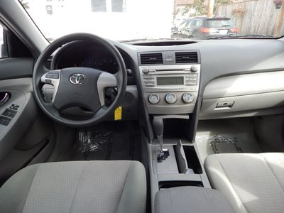 2010 Toyota Camry LE - Photo 15