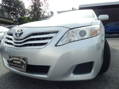 2010 Toyota Camry LE - Photo 24