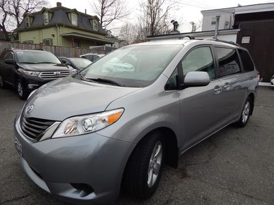 2012 Toyota Sienna LE 8 Passenger Mini Van - Photo 3