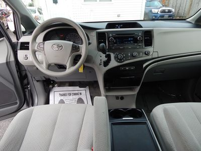 2012 Toyota Sienna LE 8 Passenger Mini Van - Photo 15