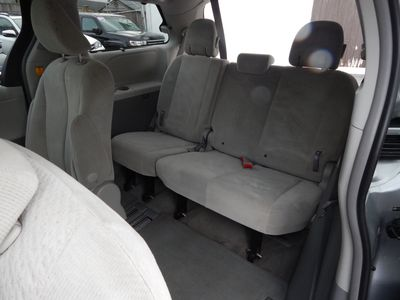 2012 Toyota Sienna LE 8 Passenger Mini Van - Photo 17