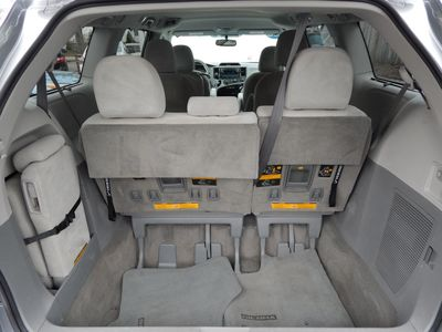 2012 Toyota Sienna LE 8 Passenger Mini Van - Photo 19