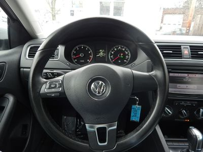 2012 Volkswagen Jetta SE w/Convenience Sunroof PZEV - Photo 24