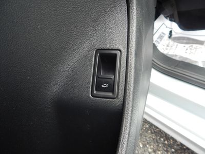 2012 Volkswagen Jetta SE w/Convenience Sunroof PZEV - Photo 10