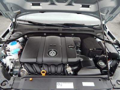 2012 Volkswagen Jetta SE w/Convenience Sunroof PZEV - Photo 22
