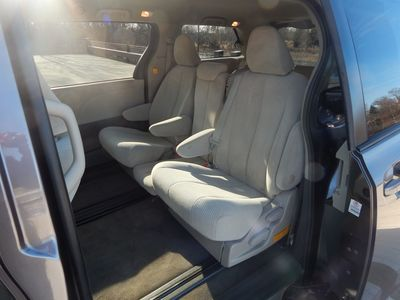 2012 Toyota Sienna LE  8 passenger  4 cylinders - Photo 14