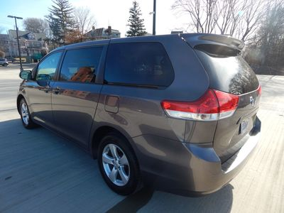 2012 Toyota Sienna LE  8 passenger  4 cylinders - Photo 6