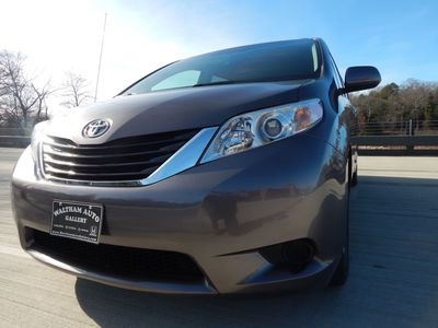 2012 Toyota Sienna LE  8 passenger  4 cylinders - Photo 24