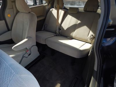 2012 Toyota Sienna LE  8 passenger  4 cylinders - Photo 15